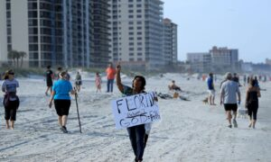 Hundreds of People Flock to Florida Beaches After Reopening