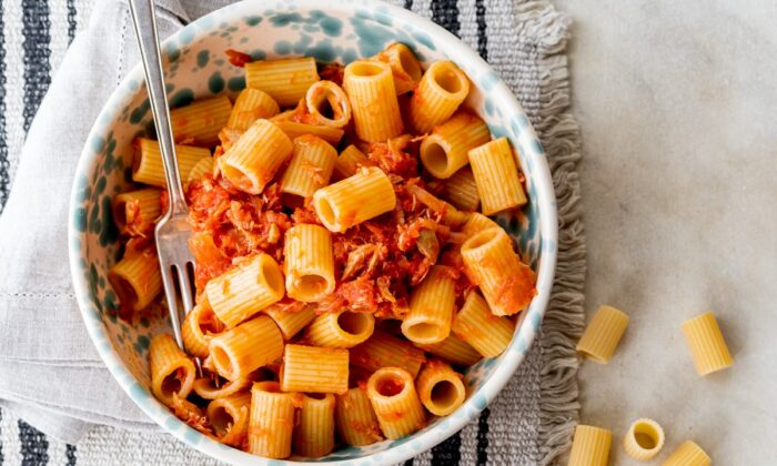 Pasta with tuna and tomato sauce. (Giulia Scarpaleggia)