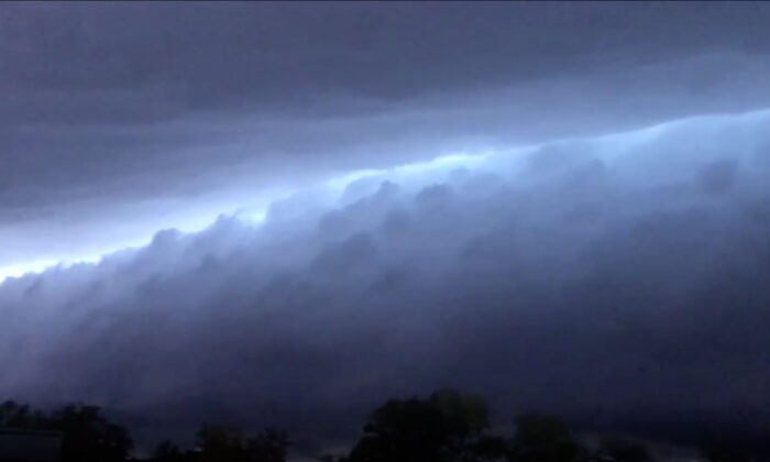 A shelf cloud was seen before the storm hit Canton, Al., on April 19, 2020. (Courtesy of Lorie Elam Seales)