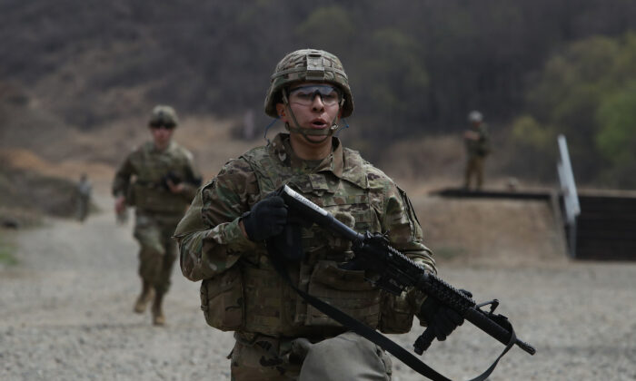 U.S. soldiers from 2nd Infantry Division at the Rodriguez Range on April 16, 2019 in Pocheon, South Korea. (Chung Sung-Jun/Getty Images)
