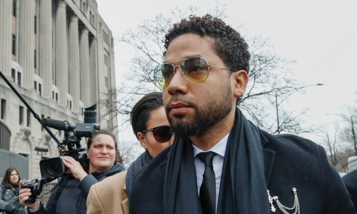 """Former """"Empire"""" actor Jussie Smollett arrives at court for his arraignment on renewed felony charges in Chicago, Illinois, on Feb. 24, 2020. (Kamil Krzaczynski/Reuters)"""