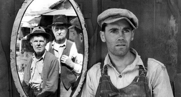 (L–R) Frank Darien, Russell Simpson, and Henry Fonda