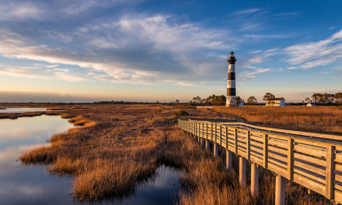 Dawn at Bodie Island lighthouse along North Carolina's Outer Banks. (anthony heflin/Shutterstock)
