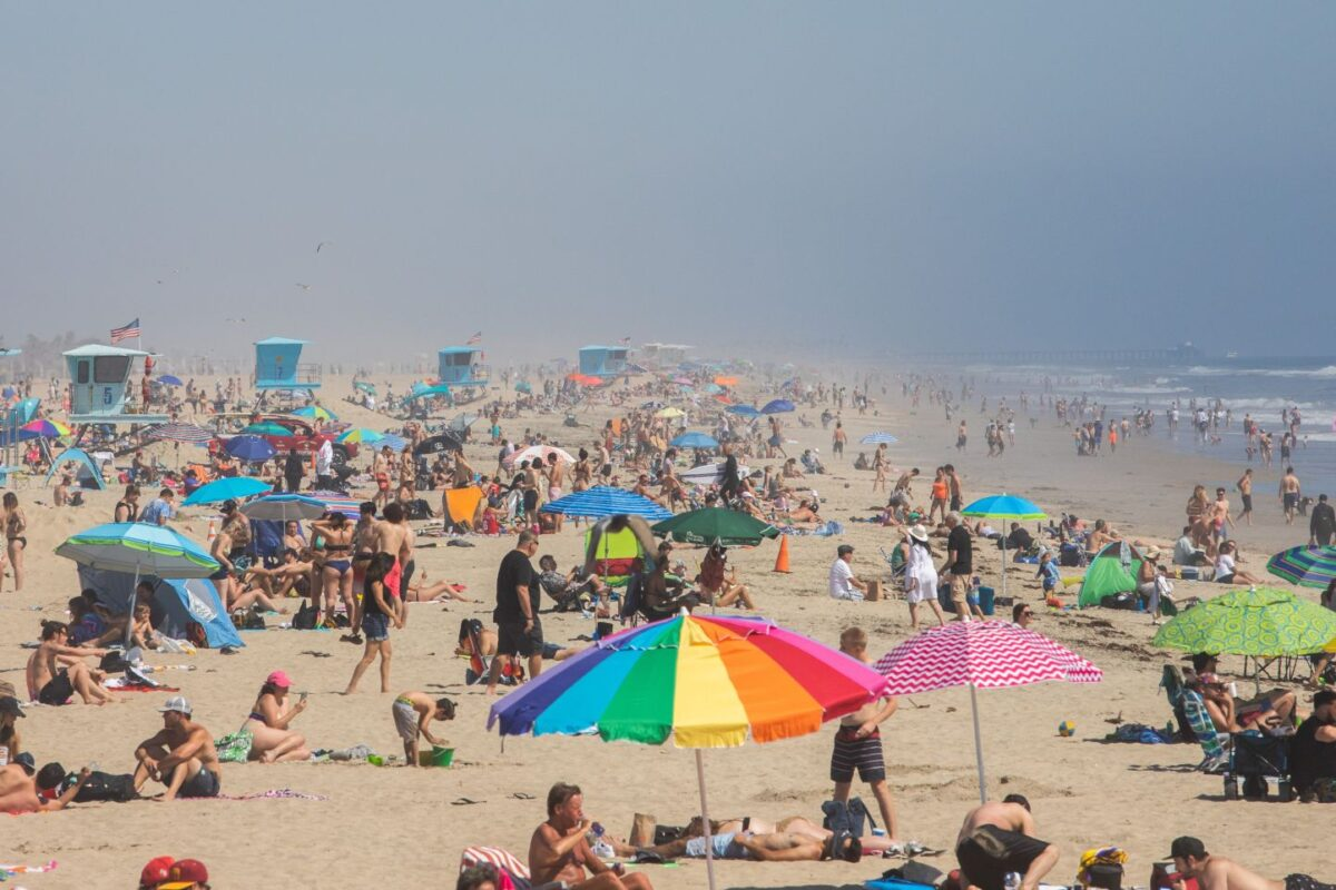 Coronavirus: California governor admonishes weekend crowds who flocked to beaches