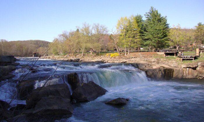 The Ohiopyle Falls at Ohiopyle State Park in Western Pennsylvania. (Public Domain)