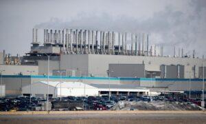 Volkswagen and Fiat Chrysler Postpone Restarting US Factories