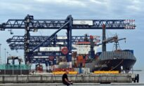 Wharfies End Sydney Port Industrial Action