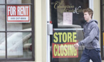 US GDP Suffers Record Collapse, Jobless Claims Point to Stalling Recovery