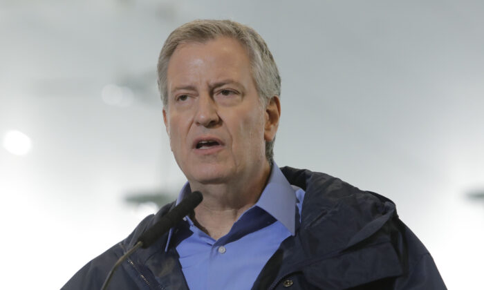 New York City Mayor Bill de Blasio speaks at a temporary hospital site in New York, N.Y., on March 31, 2020. (Frank Franklin II/ AP Photo)