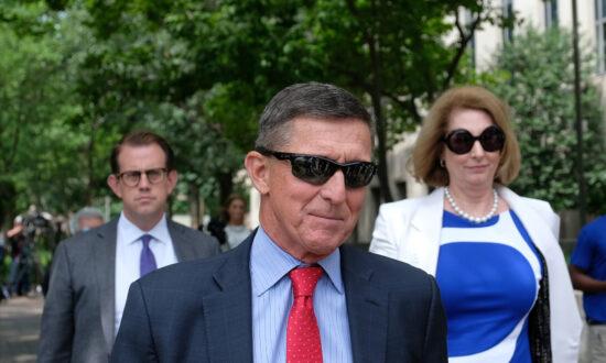 Former Judges, Lawyers Back Justice Department's Dismissal of Flynn Case