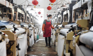 'No Sign of Recovery' for Chinese Economy as Virus Cripples Export Orders