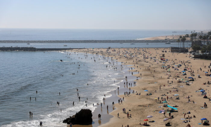 The Corona del Mar State Beach in Newport Beach, Calif., on April 25, 2020. (Michael Heiman/Getty Images)