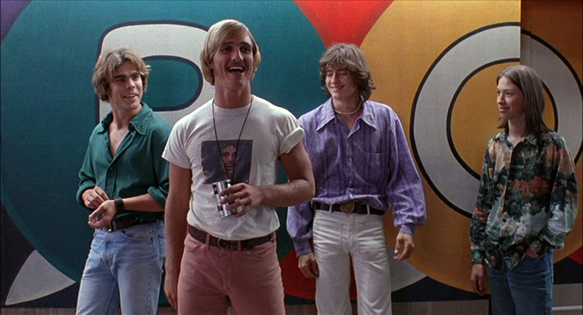 "4 teens hang outside a pool hall in ""Dazed & Confused"""