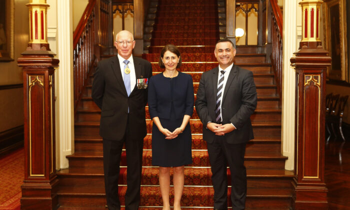 NSW Governor David Hurley( L), NSW Premier Gladys Berejiklian (M)and NSW Deputy Premier John Barilaro (R)pose for a picture with on January 23, 2017 in Sydney, Australia.(Daniel Munoz/Getty Images)
