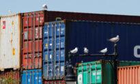 US Trade Deficit Rises Amid Record Drop in Exports