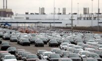 Detroit Automakers Push for Restart of Plants Within 2 Weeks