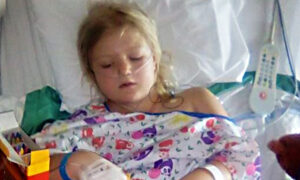 Mom Warns: Young Daughter's Abdomen Sliced Open by Seatbelt, Because She Wasn't in Childseat