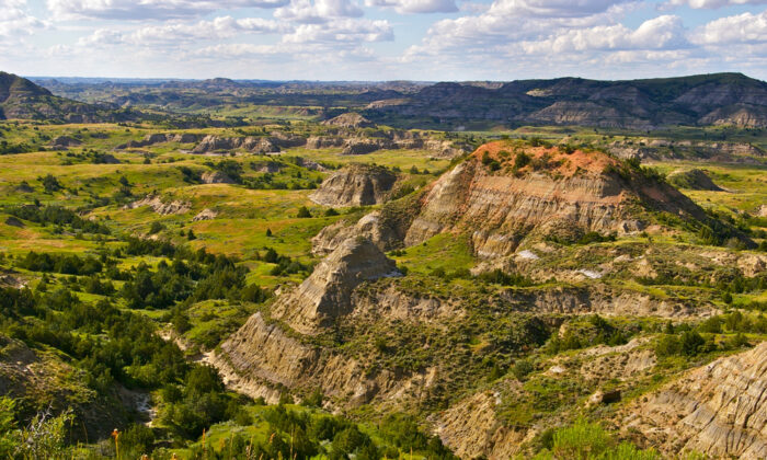 The Badlands, Theodore Roosevelt National Park. (Randall Runtsch/Shutterstock)