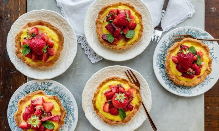 Crostatine alla frutta, tartlets filled with pastry cream and fresh fruit. (Photo by Giulia Scarpaleggia)