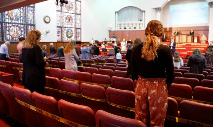 Congregants at Elim Romanian Pentecostal Church in Chicago, Ill., on May 10, 2020. (Cara Ding/The Epoch Times)