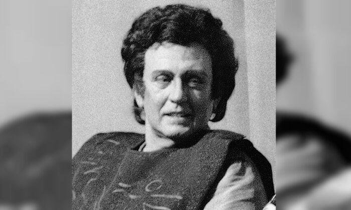 "John Macurdy as Radames after a performance of Giuseppe Verdi's ""Aida"" in New York, on Jan. 3, 1984.(Richard Drew/AP)"