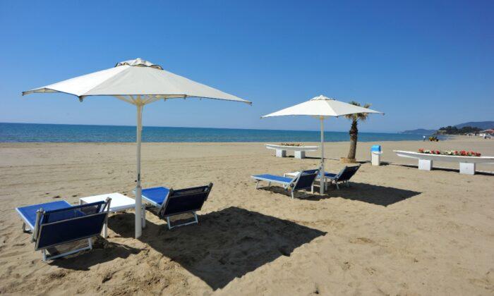 A beach club in Castiglione della Pescaia, Italy, on April 24, 2020. (Jennifer Lorenzini/Reuters)