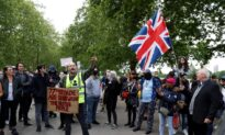British Police Arrest 19 at London Protest Against Social Distancing