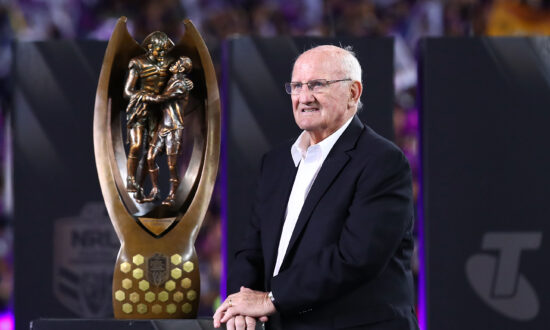 Rugby League Great Arthur Summons Dies at 84