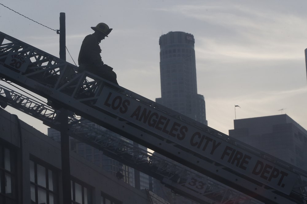 LA explosion firefights 7