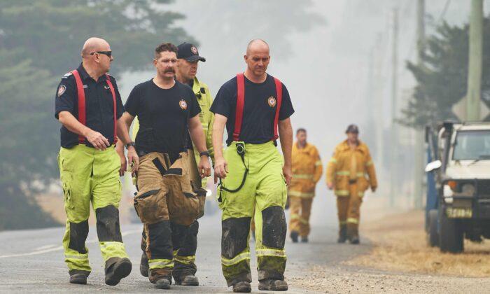 Australian Fire Rescue crew pictured on Jan. 5, 2020. (Brett Hemmings/Getty Images)