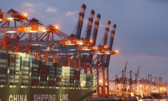 A container ship from China Shipping Line is loaded at the main container port in Hamburg, Germany, on Aug. 13, 2007. (Sean Gallup/Getty Images)