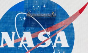 NASA Human Spaceflight Chief Resigns Ahead of Launch