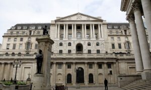 Venezuela Says Bank of England Is Refusing to Release Gold It Needs to Fight COVID-19