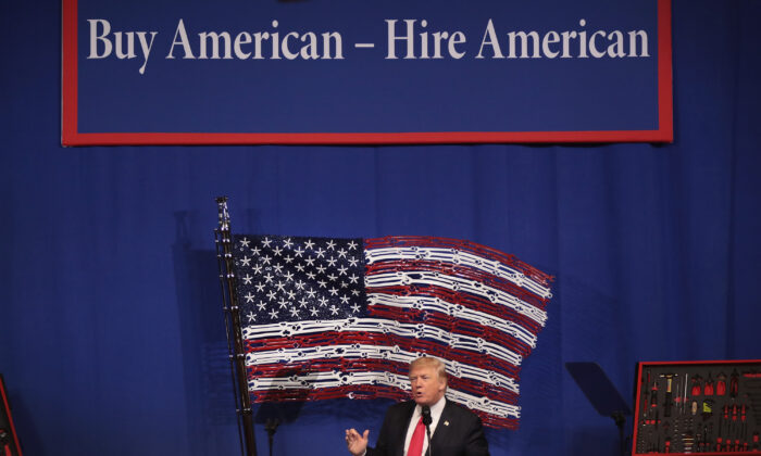 President Donald Trump speaks to workers at the headquarters of tool manufacturer Snap-On in Kenosha, Wisconsin on April 18, 2017. (Scott Olson/Getty Images)