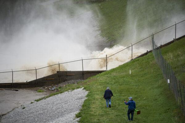 Mich.dam-flooding