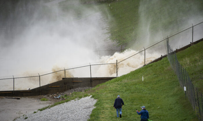 This photo shows a view of a dam on Wixom Lake in Edenville, Mich., on May 19, 2020. (Kaytie Boomer/The Bay City Times via AP)