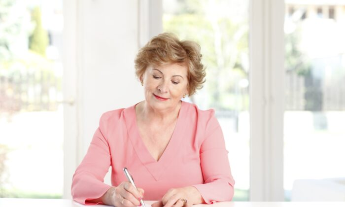 Writing out your plans can help you think them through, remember, and focus your will power. (Kinga/Shutterstock)