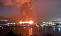 Firefighters Are Battling a 4-Alarm Fire on Pier 45 in San Francisco