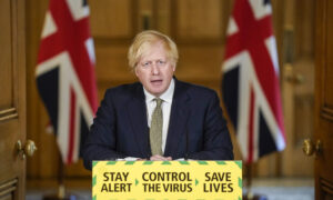 UK's Boris Johnson Stands by Aide Over 250-Mile Lockdown Trip