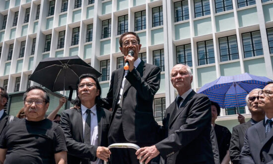 Epoch News: Chinese Regime Threatens Hong Kong's 'One Country, Two Systems'
