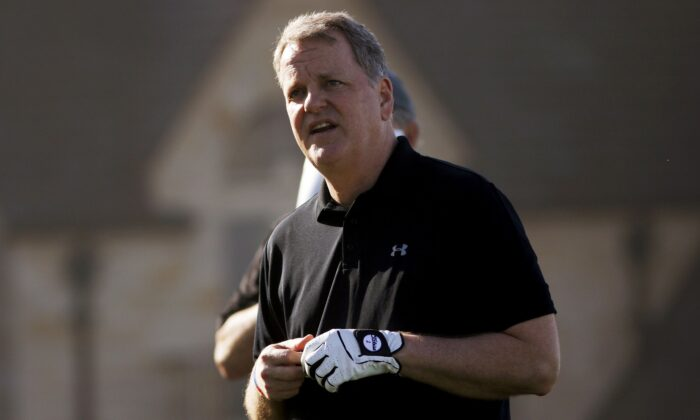 File photo of American Airlines CEO Doug Parker at a golf tournament in Pebble Beach. (Michael Fiala/Reuters)