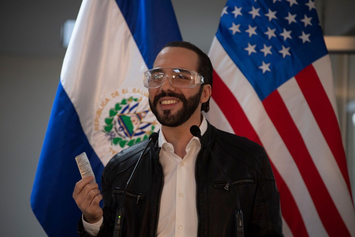 El Salvador's president Nayib Buk<a href=https://www.theepochtimes.com/white-house-says-trump-would-take-hydroxychloroquine-as-prophylactic-again_3369326.html>Read More From Source</a></p> [contf] [contfnew]         <img src=