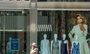 Los Angeles Reopening for In-Person Shopping After Months-Long Lockdown
