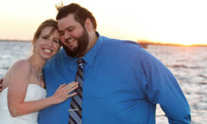 Obese Man Loses 300lb in 15 Months Before Marrying High School Sweetheart