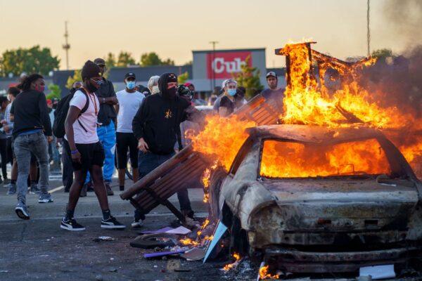 burning car minneapolis
