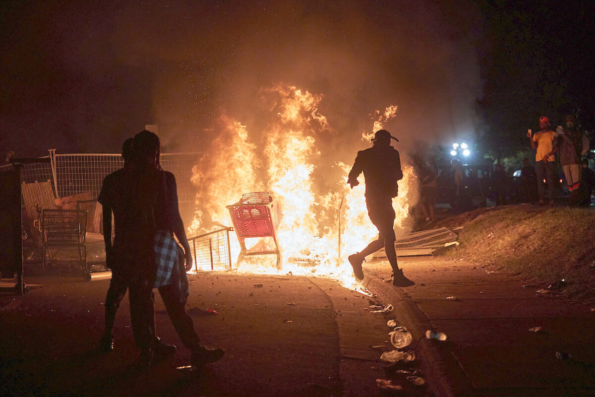 Minneapolis Police Chief Says Violent Protesters Not From the City