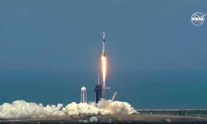 The SpaceX Falcon 9 rocket lifts off on schedule, at the Kennedy Space Center in Cape Canaveral, Fla., on May 30, 2020. (NASA)
