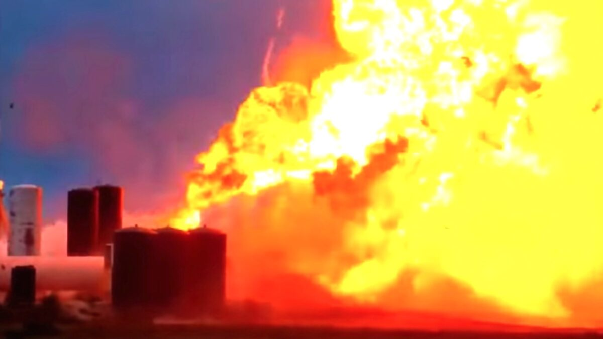 SpaceX prototype explodes during a test in Texas