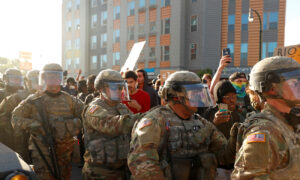 Minnesota Governor to 'Fully Mobilize' National Guard to Quell Violence