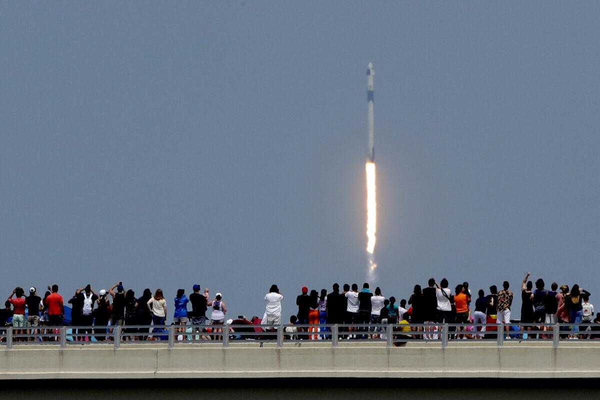 Space X, Falcon 9 launch